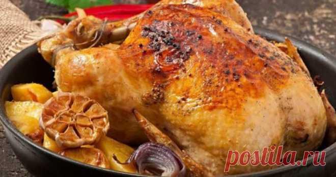 Курица «40 зубчиков чеснока» Курица «40 зубчиков чеснока» относится к классическим блюдам французской кухни. Существует несколько вариантов рецепта, но неизменными в них остаются простота приготовления, сочное мясо и аппетитный аромат с нотками чеснока и тимьяна.