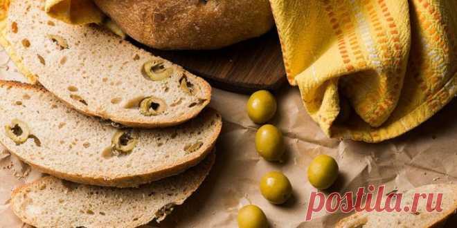 БЫСТРЫЙ ХЛЕБ С ОЛИВКАМИ И ГРЕЦКИМИ ОРЕХАМИ   Ингредиенты:  пшенинчная мука — 325 г разрыхлитель — 1.5 ч.л. сухие итальянские травы — 1.5 ч.л. сухие итальянские травы — 1 ч.л. соль — 0.5 ч.л. яйца — 2 шт.     молоко — 250 мл оливковое масло — 6…