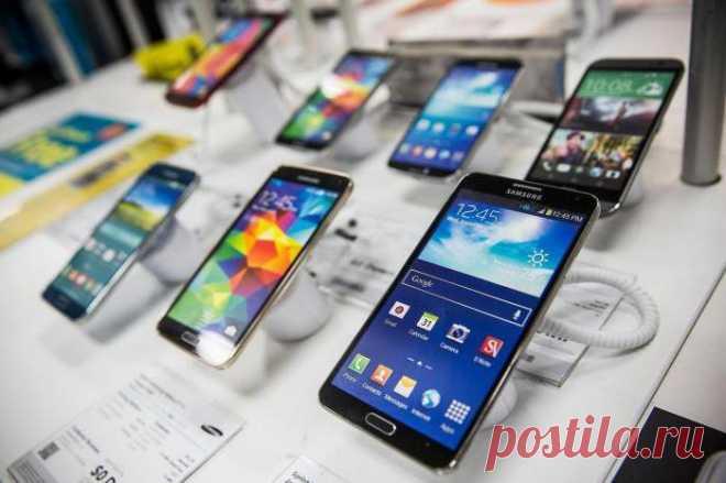 Можно ли вернуть телефон в магазин и в течение какого времени? Сегодня рынок товаров и услуг полон разнообразных предложений. Внимание привлекают разного рода телефоны. Некоторые долго и тщательно выбирают смартфон, копят на него, а затем покупают. Но не все подо...