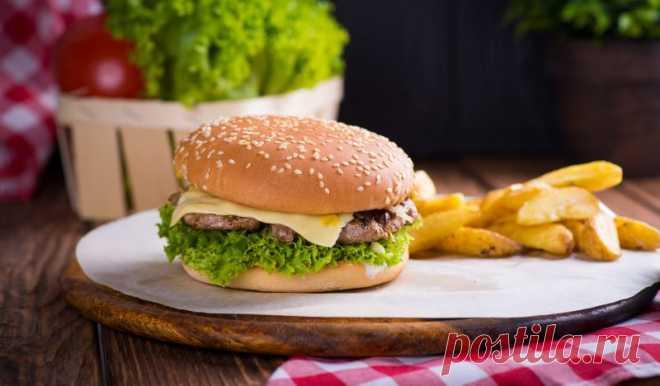 Простые чизбургеры с котлетой из говядины