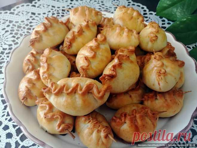Мини-пирожки – пошаговый кулинарный рецепт с фото Закусочные мини-пирожки с мясной начинкой – пошаговый рецепт с фото. Как просто испечь вкусные и красивые маленькие пирожки. С чем подать суп. Русская кухня