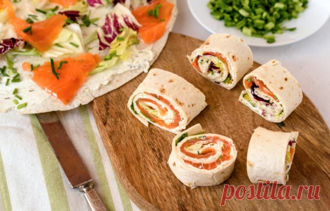 Что завернуть в лаваш: 6 лучших вариантов начинки Не знаете, что приготовить на пикник? Знакомим вас с самыми оригинальными начинками для лаваша. Готовить такое блюдо просто, а есть — одно удовольствие!