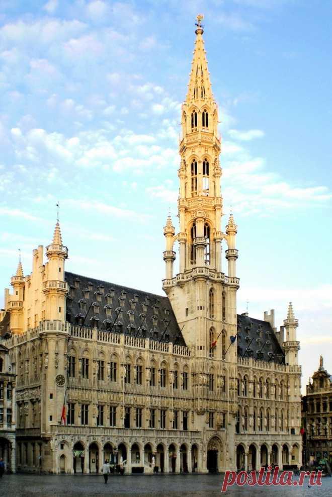 « Брюссельская ратуша — ратуша, расположенная в историческом центре Брюсселя на площади Гран-Плас» — карточка пользователя belova.xxxx в Яндекс.Коллекциях