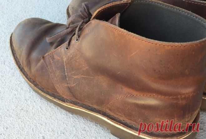 Убираем потертости с обуви - Журнал Советов Не стоит выбрасывать обувь лишь из-за небольших потертостей. Мы расскажем, как легко можно оживить старую обувь. 1. Зубная пастаНанесите немного пасты на проблемные участки и потрите. Затем пройдитесь по обуви влажной тряпкой и высушите. 2. Пищевая сода Смешайте 2 столовые ложки пищевой соды и 100 мл тёплой воды. Нанесите смесь на обувь и подождите. Если […]