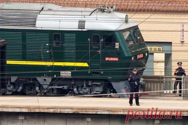 Ким Чен Ын отправился в Китай на бронепоезде . Чёрт побери