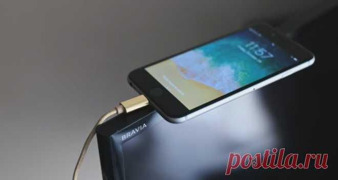 Как подключить смартфон к телевизору при помощи USB кабеля Смартфоны имеют широкий функционал, в том числе в плане воспроизведения медиафайлов. Именно поэтому есть смысл подключать к телевизору мобильные