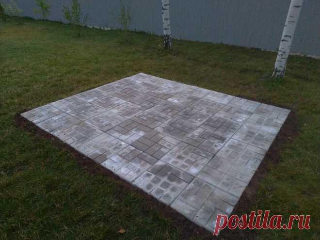 За 5 часов на месте газона построил площадку под мангал. | Из квартиры в дом | Яндекс Дзен