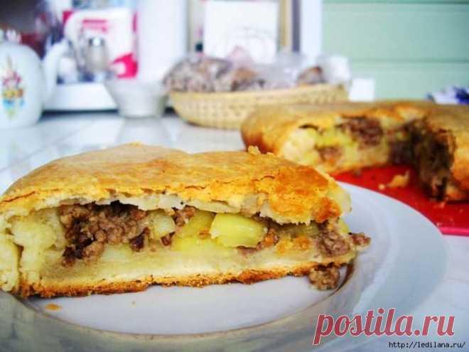 Пирог с картошкой и фаршем: отличная закуска или полноценный обед