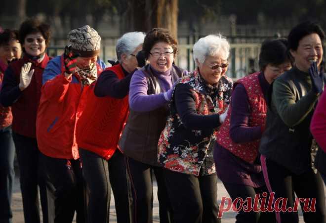 Пенсионная реформа в Китае: женщины будут уходить на пенсию в 50 лет, а в отдельных случаях — в 45! - Все обо Всем Китай приступил к постепенному снижению пенсионного возраста: для женщин это будет 50 лет, а для мужчин — 55. Власти Китая организовали масштабное социологическое и медицинское исследование своих граждан и заключили, что пожилые люди испытывают избыточные нагрузки. Это не остается без последствий и приводит к переутомлению, депрессиям, сильному стрессу и в кон...