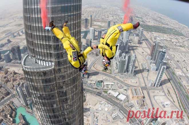 Jump from the highest building in the world • NEWS IN PHOTOS