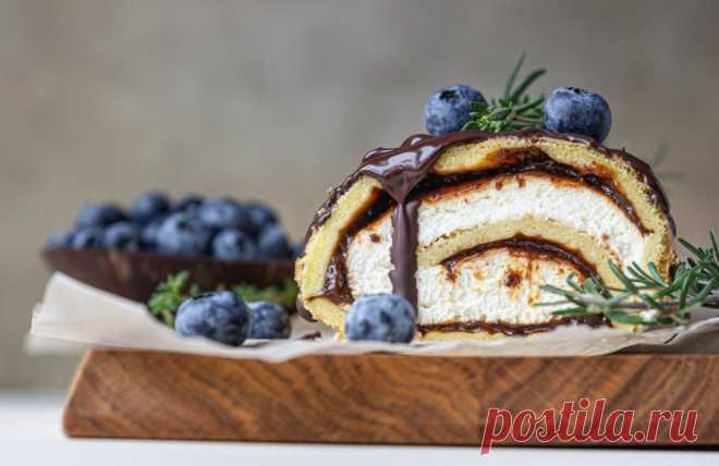 Рулет с черносливом и сырным кремом: рецепт пошаговый с фото | Меню недели