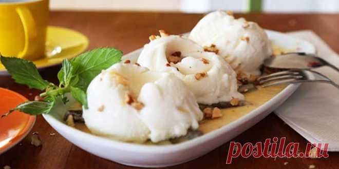 Турецкий соус для мороженого. Этот необычный теплый соус с карамелизированным инжиром и грецкими орехами идеально подходит для мороженого.