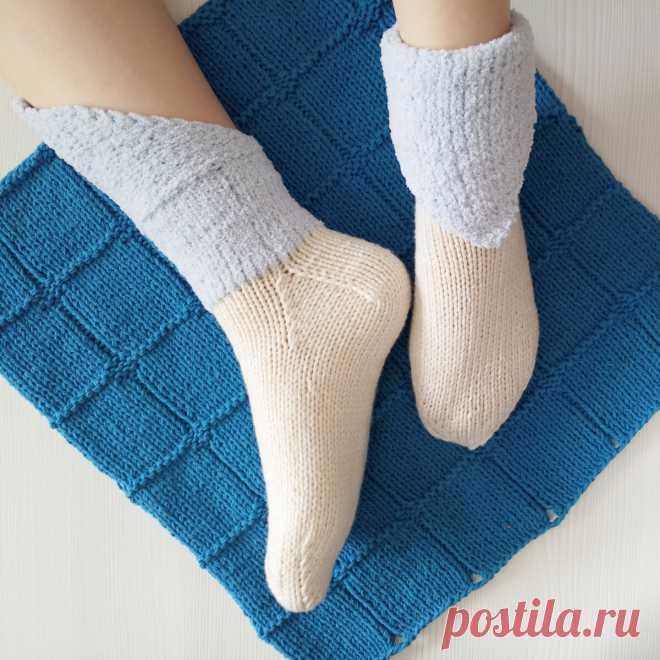 Оригинальные носки спицами с манжетой-уголком + инструкция вязания пятки