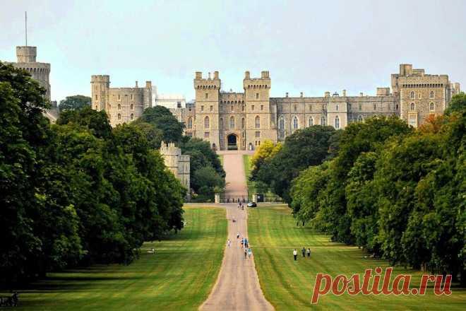 Виндзорский замок, символ власти британских монархов .