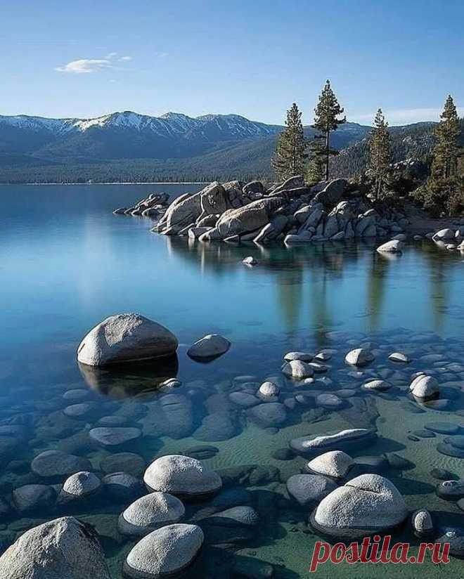 Озеро Тахо, США.
