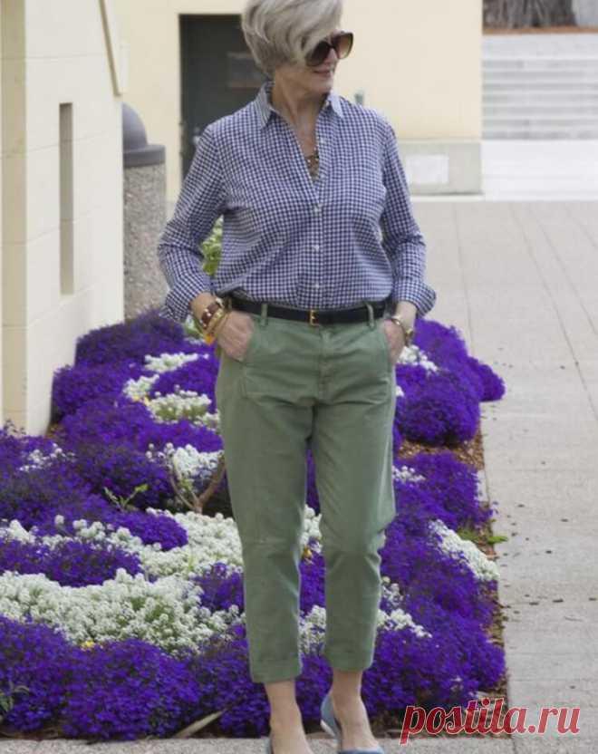Модные Чинос: 17 образов с брюками чинос для женщин за 50 - БАгиня