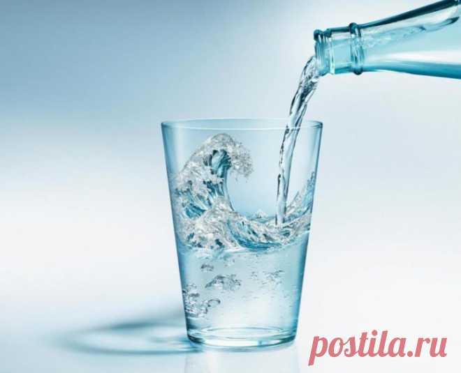 Стакан с водой может спасти вас от гипертонии. Вот как это работает
