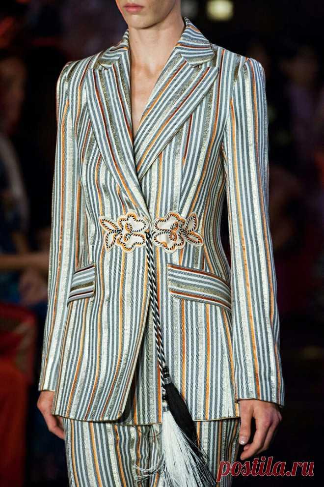 Застёжка-завязка понравилась Модная одежда и дизайн интерьера своими руками