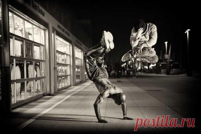 Проект Cameras and Dancers: хорошему танцору гравитация не мешает Вот что получается, когда встречаются профессиональные танцоры мирового уровня, талантливые фотографы и профессионалы в области социальных медиа. Вот уже