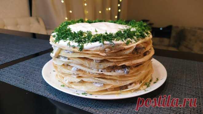 Закусочный тортик с курицей и грибами: интересный способ подать обычные блины | Ксюша-Печенюша | Пульс Mail.ru Эффектный торт с курицей и грибами хорош как холодном, так и в теплом виде. Отличная альтернатива обычным фаршированным блинам.
