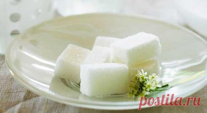 15 лайфхаков с сахаром Простите, но рецептов вкусных десертов в этой статье не будет. Мы предлагаем использовать сахар по‑другому — с пользой для жизни и здоровья. Для здоровьяУспокойте ребенкаПо результатам некоторых иссле...