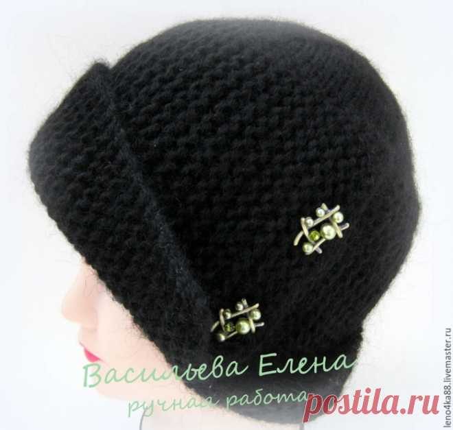 We knit spokes a hat \
