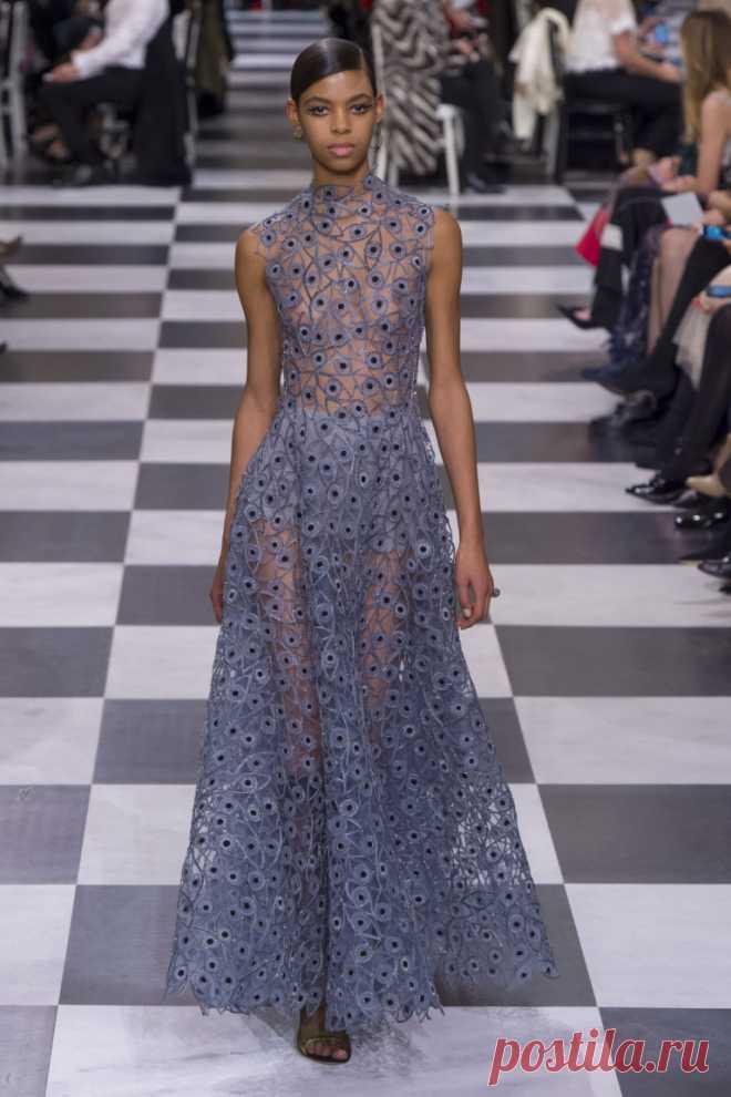 Christian Dior коллекция   Коллекции весна-лето 2018   Париж   VOGUE ... 77fd6bf21ff