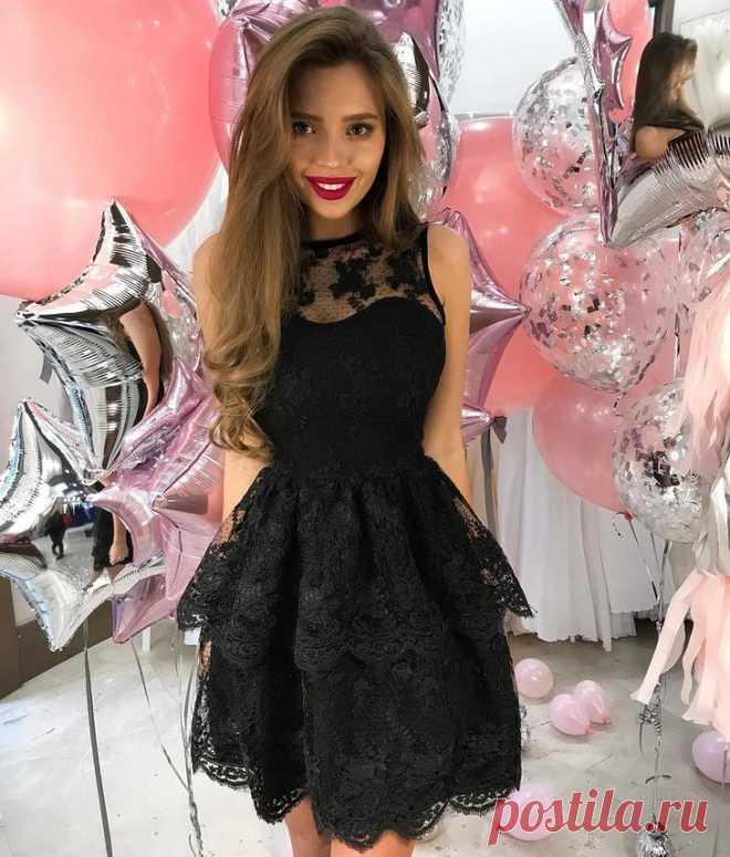 e8b85f8dd703415 Платье с баской 2018: 35 стильных образов | МОДА - ПЛАТЬЯ . | Постила