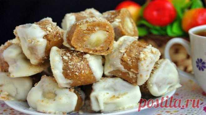 Конфеты с банановой начинкой Существует огромное количество рецептов домашних конфет, они всегда вкуснее и полезнее, чем покупные. Попробуйте этот рецепт, вы не останетесь равнодушными!