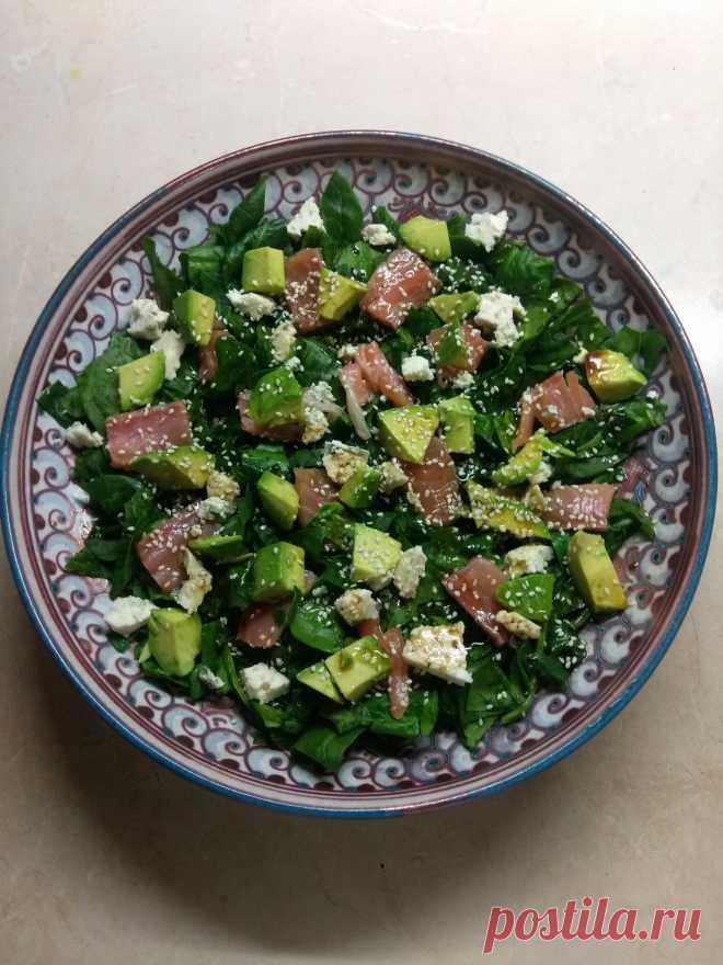 Рыбный салат со шпинатом, сыром и авокадо рецепт с фото пошагово Рыбный салат со шпинатом, сыром и авокадо - пошаговый кулинарный рецепт приготовления с фото, шаг за шагом.