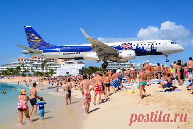 Самые необычные пляжи мира (часть 2) Продолжаем наше путешествие по самым необычным пляжам мира. Сегодня мы рассмотрим: Самый экстремальный пляж в Нидерландах, Скрытый пляж в Мексике, Исчезающий пляж в Индии, Самый чистый пляж в Австралии, Пляж со свиньями на Багамах …