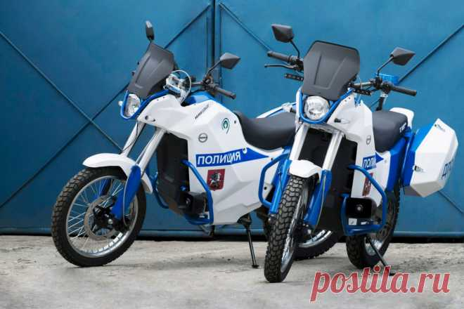 Photo: the electric car and the electromotorcycle from Kalashnikov concern