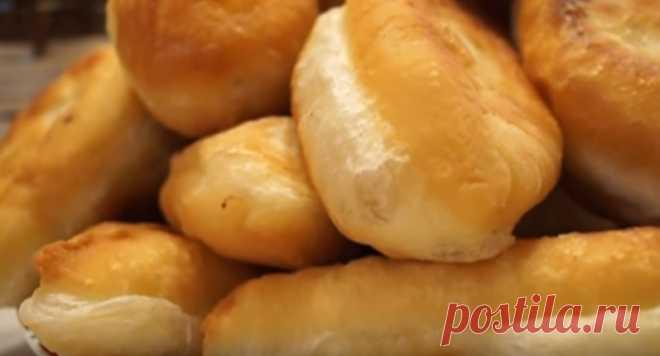 Домашние Пирожки с Капустой. Очень Вкусное и Мягкое Тесто  Пышные, румяные пирожки с капустой, начинка готовится за 15 минут, получается ароматной и вкусной! ИНГРЕДИЕНТЫ опара: дрожжи сырые — 50 гр или ((15гр сухих) сахар — 5 ст.л, мука — 5 ст.л Вода — 3 ста…