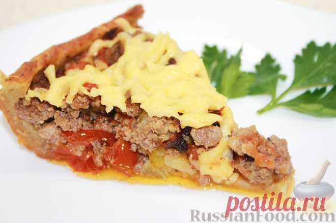 Рецепт: Открытый мясной пирог с картофельным тестом. Рецепт приготовления очень вкусного картофельного пирога с мясом, овощами и сыром. Открытый мясной пирог с картофельным тестом очень сочный, сытный и вкусный!