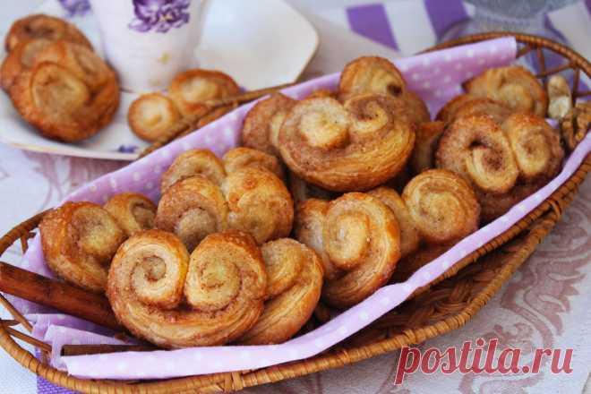 Печенье «Ушки» как в магазине — простое и незатейливое Рецепт печенья довольно простой и не замысловатый, даже если вы не особо дружите с духовкой