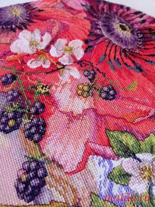 Многоцветка или набор от Мережки? Вышивка по картине