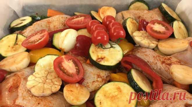 Вкуснейший ужин за считанные минуты из окорочков и овощей