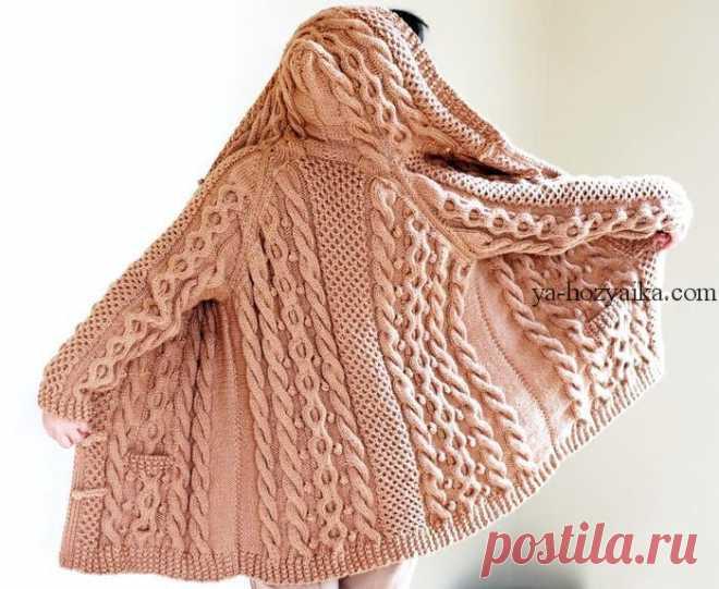 Пальто спицами с капюшоном и карманами. Женское теплое пальто спицами онлайн