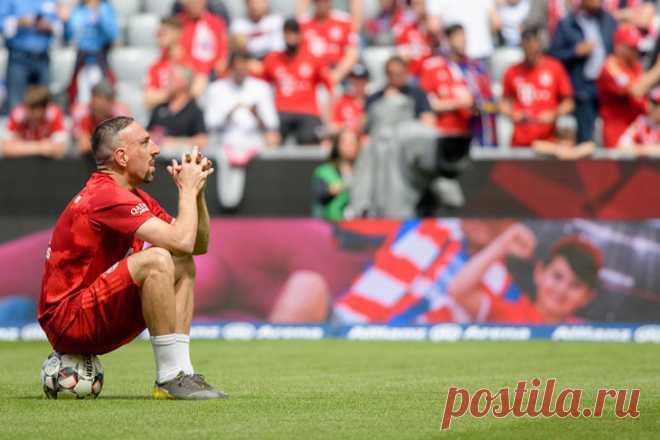 «Бавария» попрощалась с Роббеном и Рибери. Невозможно поверить, что они уходят - Фото года - Блоги - Sports.ru