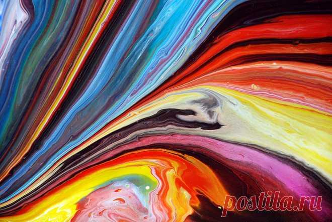 Необычные абстракции: акриловые краски и немного смекалки