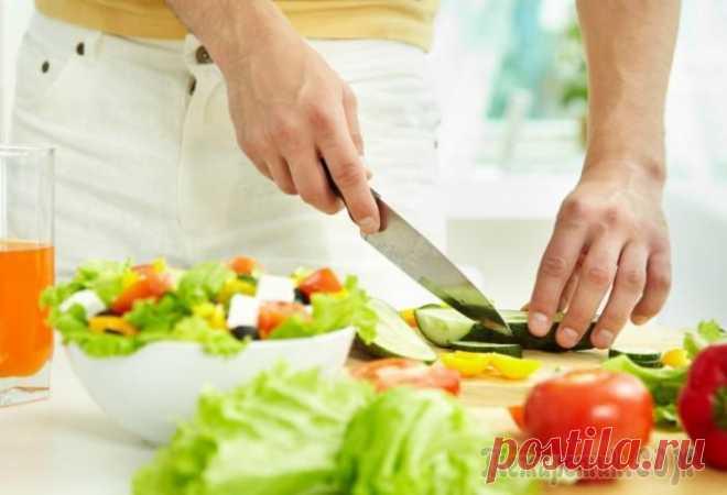 Ошибки, которые кулинары-любители допускают на кухне, или 10 советов от шеф-поваров Чтобы научиться готовить, не обязательно оканчивать специальные курсы или вузы. Многие люди осваивают кулинарное мастерство самостоятельно или по рецептам в интернете. Однако существуют небольшие тонк...
