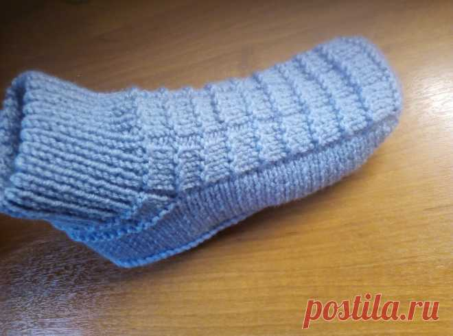 "Тапочки - носочки ""Стиль и простота"". На двух спицах | Не одна дома! | Яндекс Дзен"