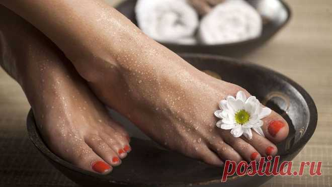 Как избавиться от запаха ног - причины появления и устранение Как избавиться от запаха ног, откуда он берется? Лучшие рецепты для избавления от запаха от ног в домашних условиях.