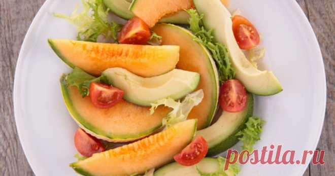 Летний салат из дыни и авокадо — Sloosh – кулинарные рецепты