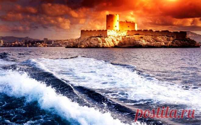 Замок Иф, легендарная темница Франции.