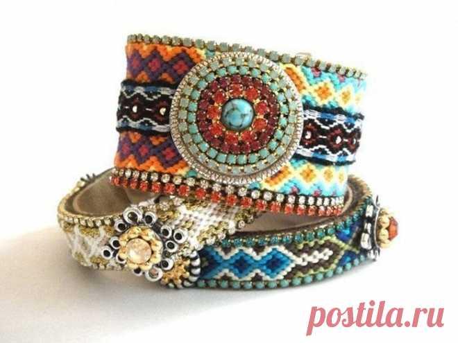 Плетем яркие браслеты-фенечки