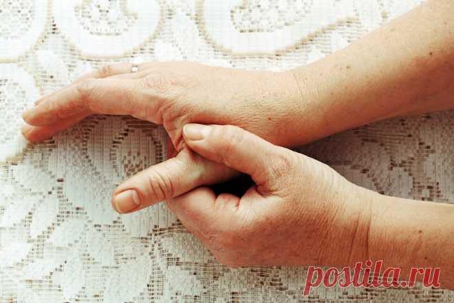 Держи сосуды в чистоте и тонусе: 5 золотых рецептов от травника. - Женский Журнал Многие люди с возрастом начинают испытывать неприятное ощущение, когда по ночам немеют пальцы рук и ног. Зачастую эти признаки свидетельствуют о развитии атеросклероза кровеносных сосудов. Атеросклероз — это одно из самых серьезных сердечных заболеваний, когда стенки сосудов уплотняются, а в местах повреждения сосудов образуются холестериновые отложения, мешающие нормальному кровотоку. Атерос...