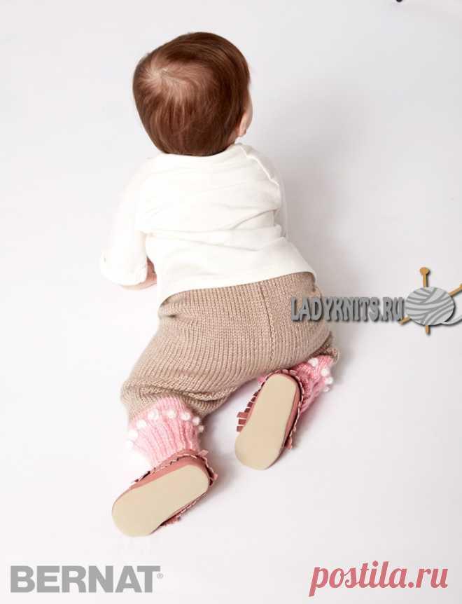 Вязаные спицами штанишки для ребенка от 6 месяцев до 2 лет