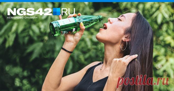 «Пить её литрами — не полезно»: разбираемся в минералке вместе с диетологами Вряд ли стоит доказывать важность воды тем, кто состоит из нее на 60–70%.