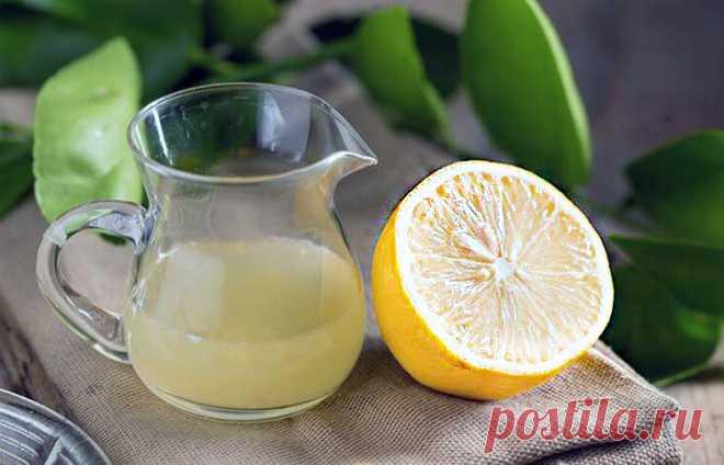 Страшные проблемы со здоровьем, от которых лечит лимонный сок - Журнал Советов Стакан теплой воды с лимоном — это один из лучших утренних ритуалов для здорового способа жизни Лимонный сок считается могучим антиоксидантом. Он содержит витамины В и С, калий, углеводы, эфирные масла и другие компоненты. Регулярно пейте лимонный сок — и обеспечите себе мощный иммунитет, улучшенное пищеварение, сбросите лишний вес и излечите ряд недугов.Если у вас […]
